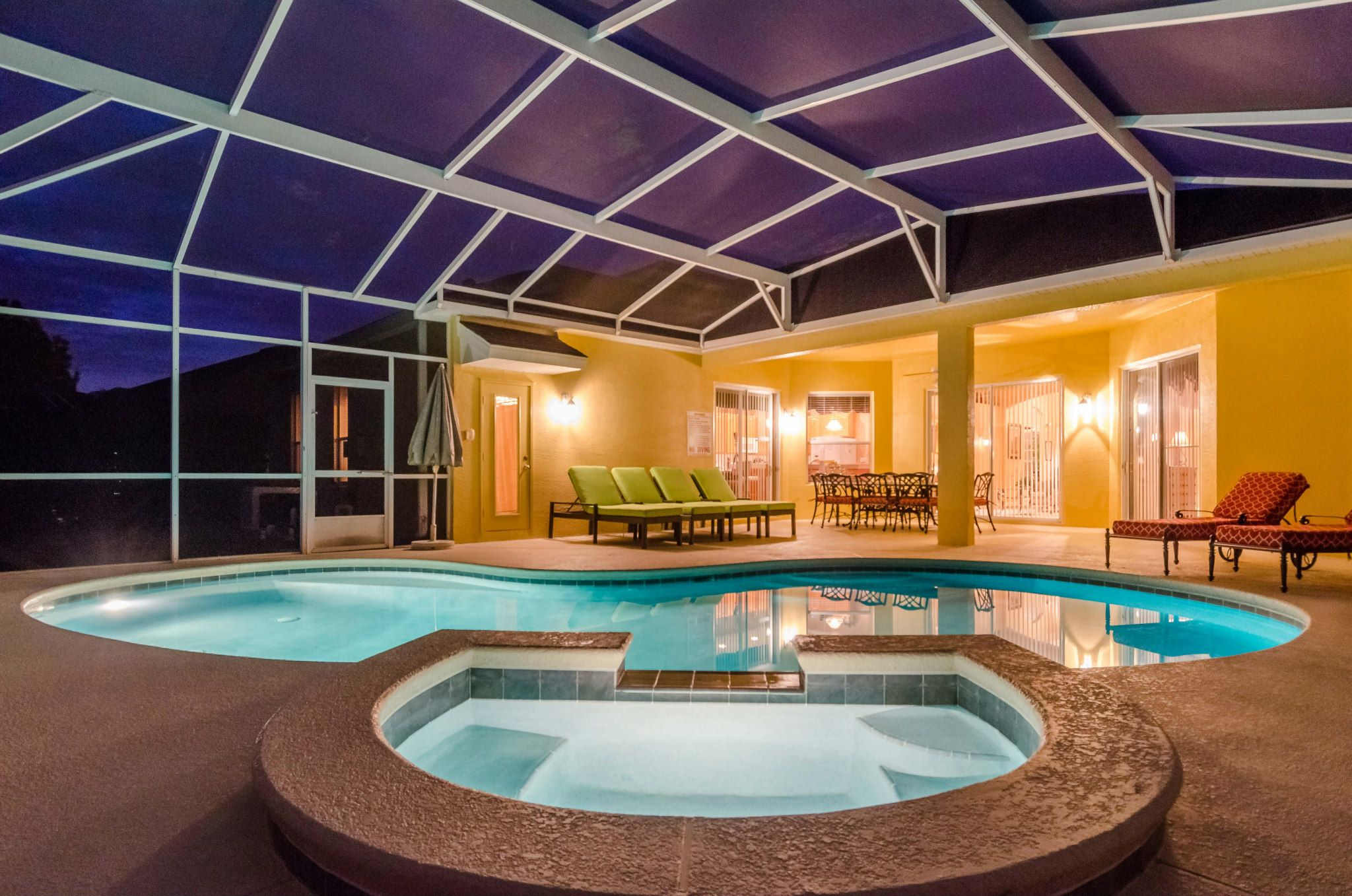 Villa Rental Near Disney - Check out this pool