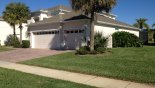 Frontal view of villa with this Orlando Villa for rent direct from owner