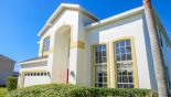 Spacious rental Highlands Reserve Villa in Orlando complete with stunning Close up view of villa frontage