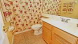 Madison 10 Villa rental near Disney with Family bathroom adjacent to bedroom 2 with bath & shower over