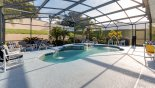 Spacious sunny pool deck with fountain sprays & built-in spa - www.iwantavilla.com is your first choice of Villa rentals in Orlando direct with owner