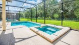 Sunny pool deck & spa with no rear neighbours - www.iwantavilla.com is your first choice of Villa rentals in Orlando direct with owner