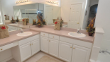 Master en-suite bathroom - www.iwantavilla.com is your first choice of Villa rentals in Orlando direct with owner