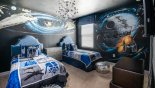 Villa rentals in Orlando, check out the Star Wars themed bedroom 4 with 2 twin beds and chest of drawers