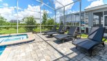 Villa rentals near Disney direct with owner, check out the 4 luxury sun loungers for your poolside comfort