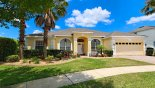 Villa rentals in Orlando, check out the View of front of villa