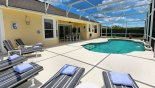 Pool with 6 comfortable sun loungers - www.iwantavilla.com is your first choice of Villa rentals in Orlando direct with owner