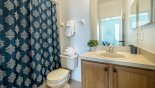 Orlando Townhouse for rent direct from owner, check out the Master 2 ensuite bathroom with bath & shower over