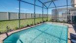 West facing pool with no rear neighbours with this Orlando Villa for rent direct from owner