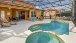 Large pool & spa - www.iwantavilla.com is your first choice of Villa rentals in Orlando direct with owner